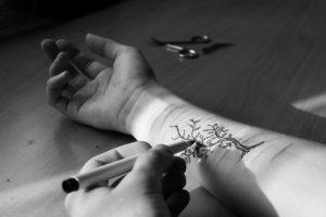 zmagovalna fotografija natečaja Miti in resnice o samopoškodovanju, 2016